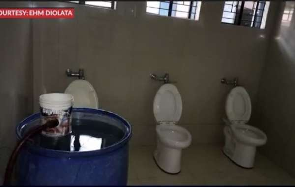 The most Expensive Toilet in The Philippines, Under Pinoy Aquino Administration