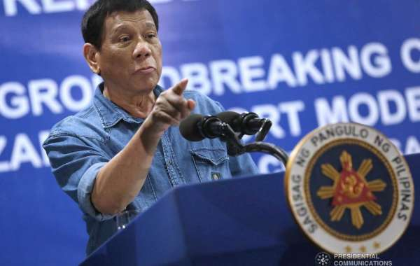 Duterte threatens to shut down hotels along coastal area for environmental violations