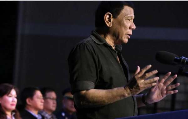 Duterte to PLDT: Add trunklines to citizens' complaint hotline 8888 or I shut you down