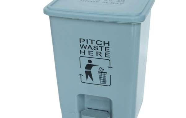 Bright Plastic Dustbin Create A Warm Environment