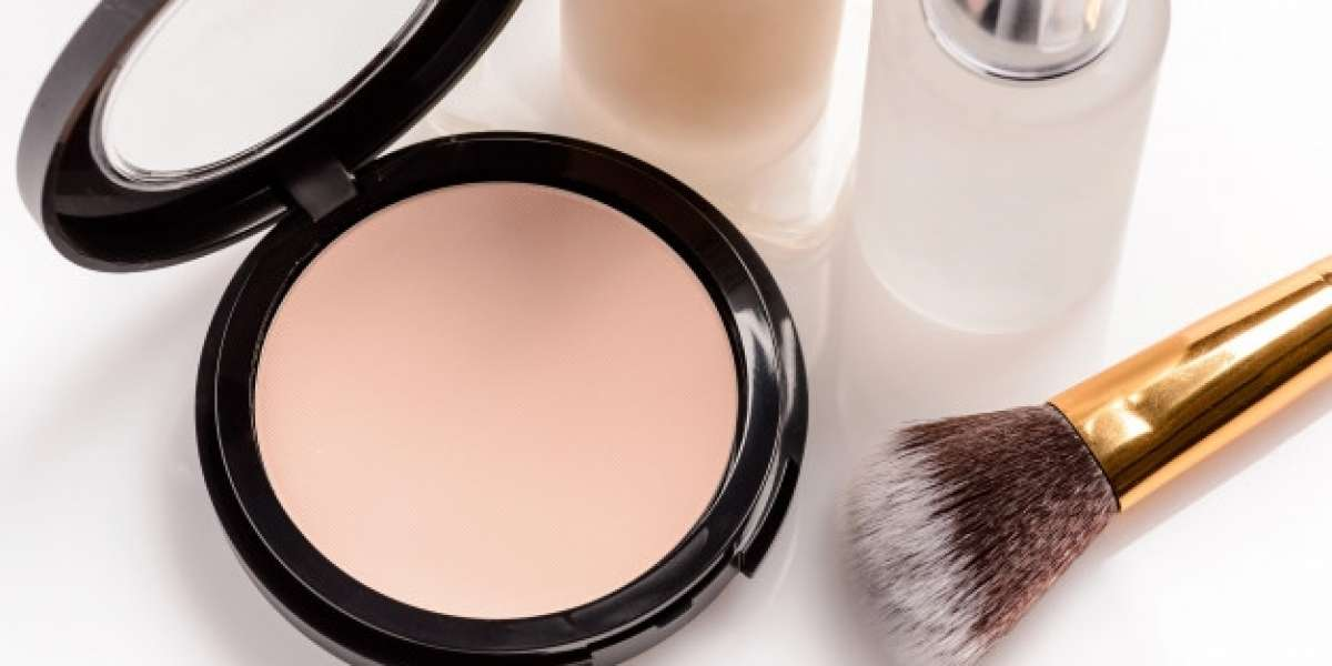 What is the Best Makeup Products For Every Girl?